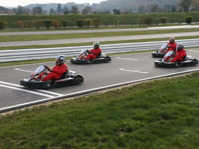 stage location karting circuit du laquais rh ne alpes is re 38. Black Bedroom Furniture Sets. Home Design Ideas