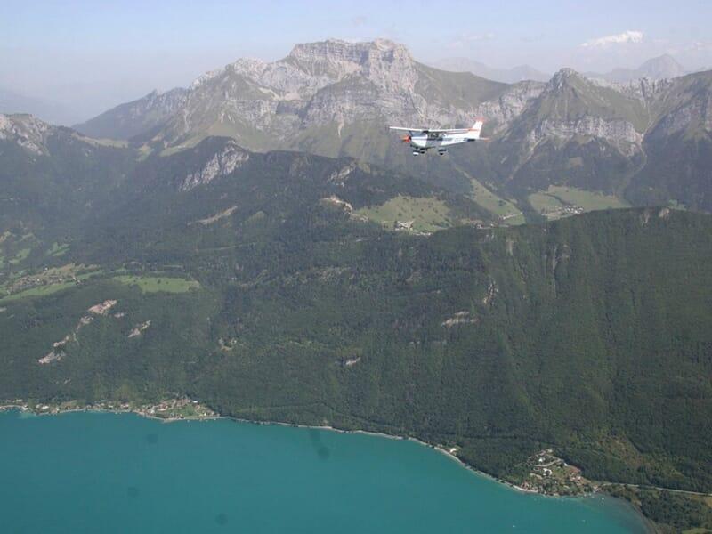 Baptême de l'air en avion près de Chambéry - Survol de la Savoie