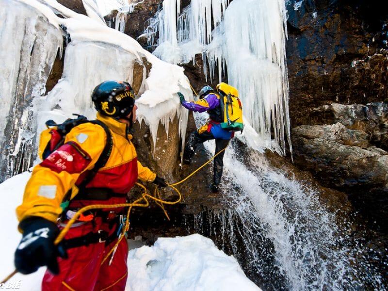 Ice Canyoning dans les Hautes-Pyrénées