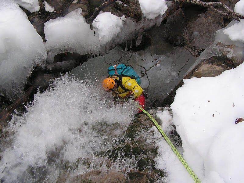 Ice Canyoning dans les Pyrénées-Atlantiques - Vallée d'Ossau