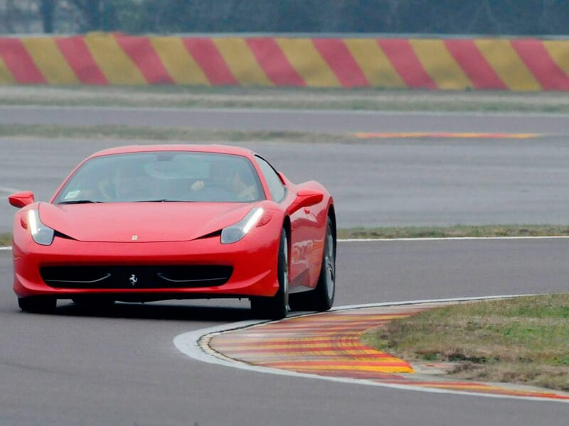 stage pilotage ferrari 458 italia circuit de trappes ile de france 78. Black Bedroom Furniture Sets. Home Design Ideas