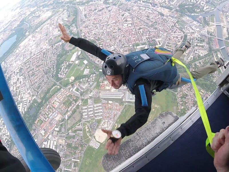 Stage de parachutisme en ouverture automatique à Dijon
