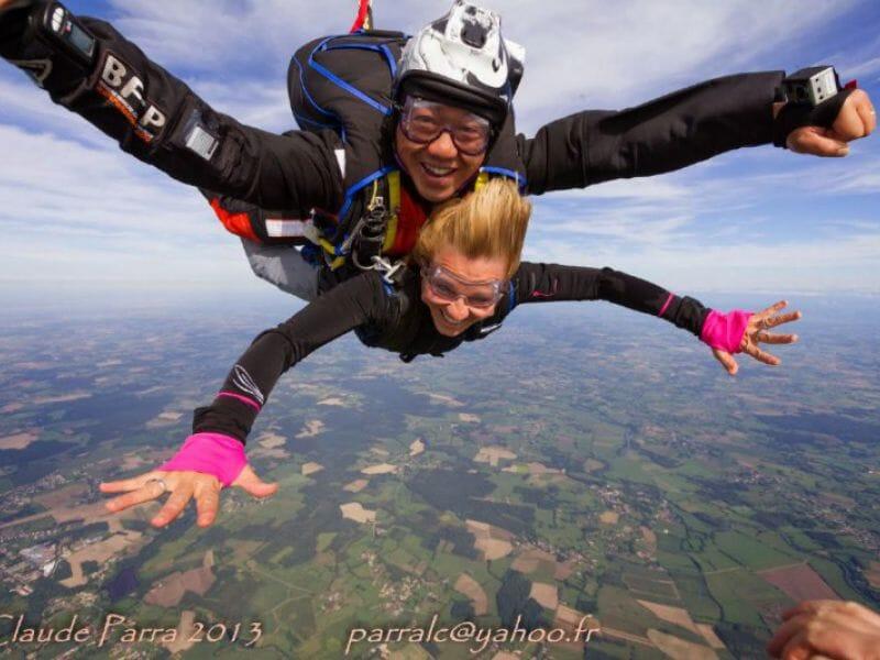 Saut en Parachute en Tandem à Dijon