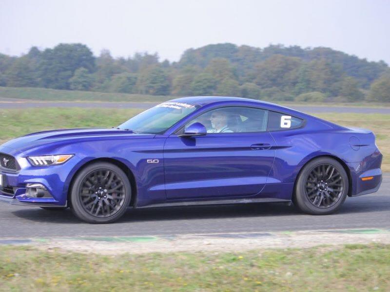 Stage de Pilotage Ford Mustang - Circuit du Mans Maison Blanche