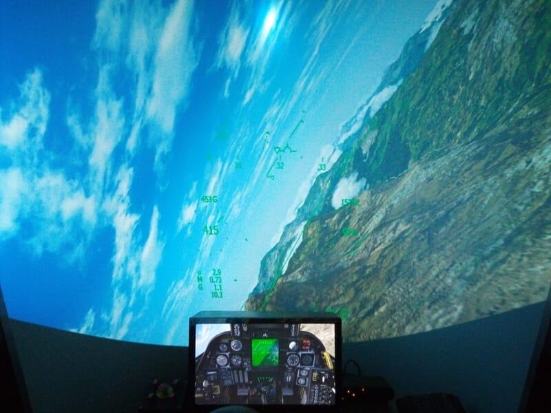 Simulateur de Vol en Avion de Chasse près de Fréjus - Roquebrune-sur-Argens