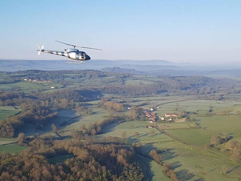 Baptême de l'air en Hélicoptère à l'aérodrome d'Aubenas Ardèche méridionale