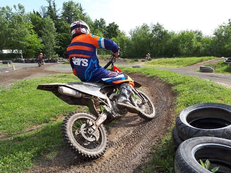 Initiation au Pilotage d'une Moto près de Lyon - Villefranche-sur-Saône