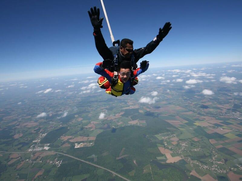 Saut en Parachute en Tandem près de Lyon - Aérodrome de Tournus-Cuisery