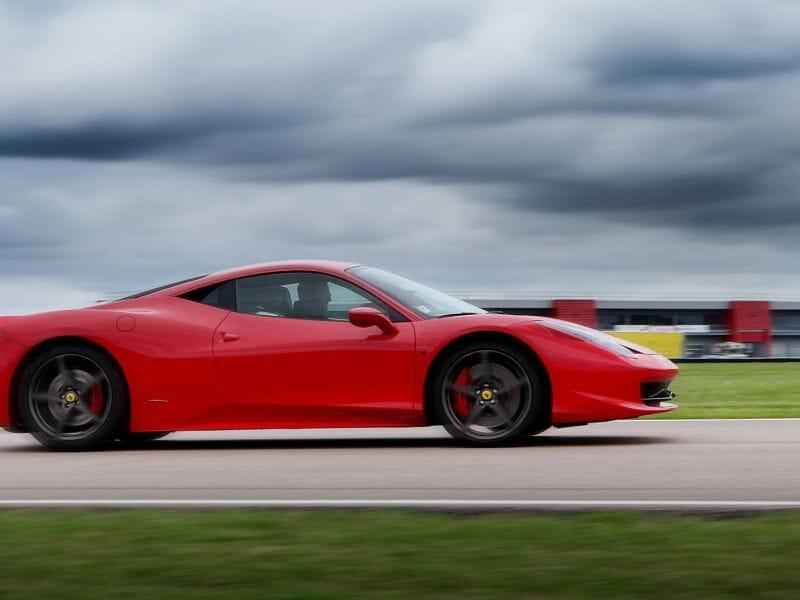 Stage de pilotage Ferrari 458 Italia - Circuit de Salon de Provence